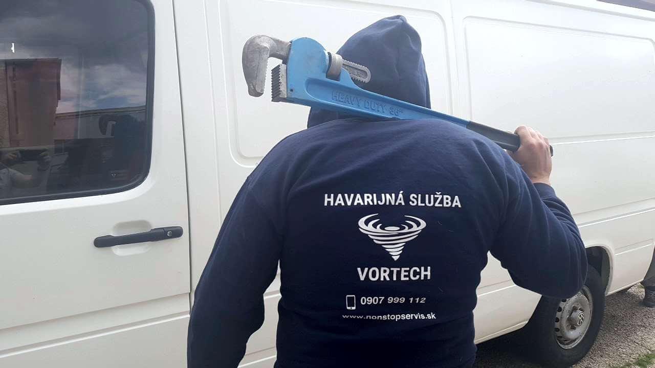 Havarijná služba Bratislava - voda | Čistenie upchatých odpadov